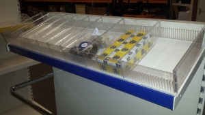 toothed plastic risers with dividers